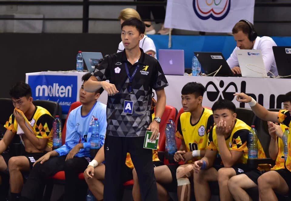 成淵高中手球隊專任教練黎俊裕