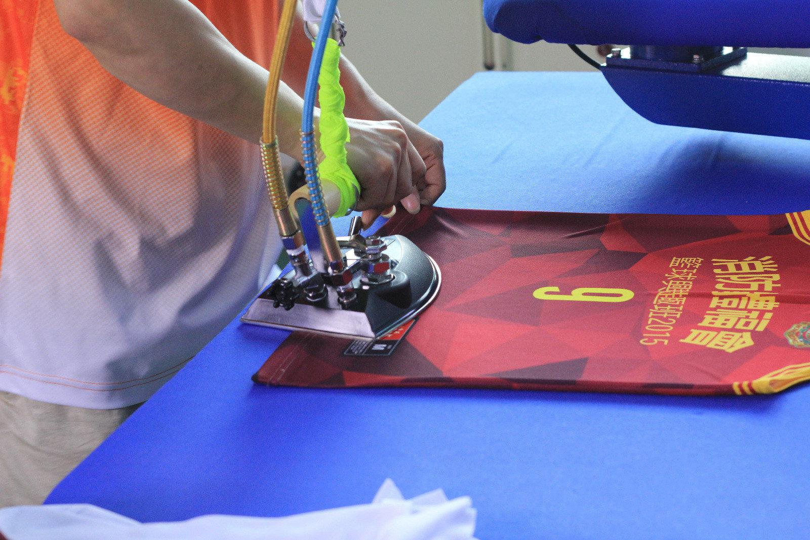 眾星實業自家工廠生產燙印