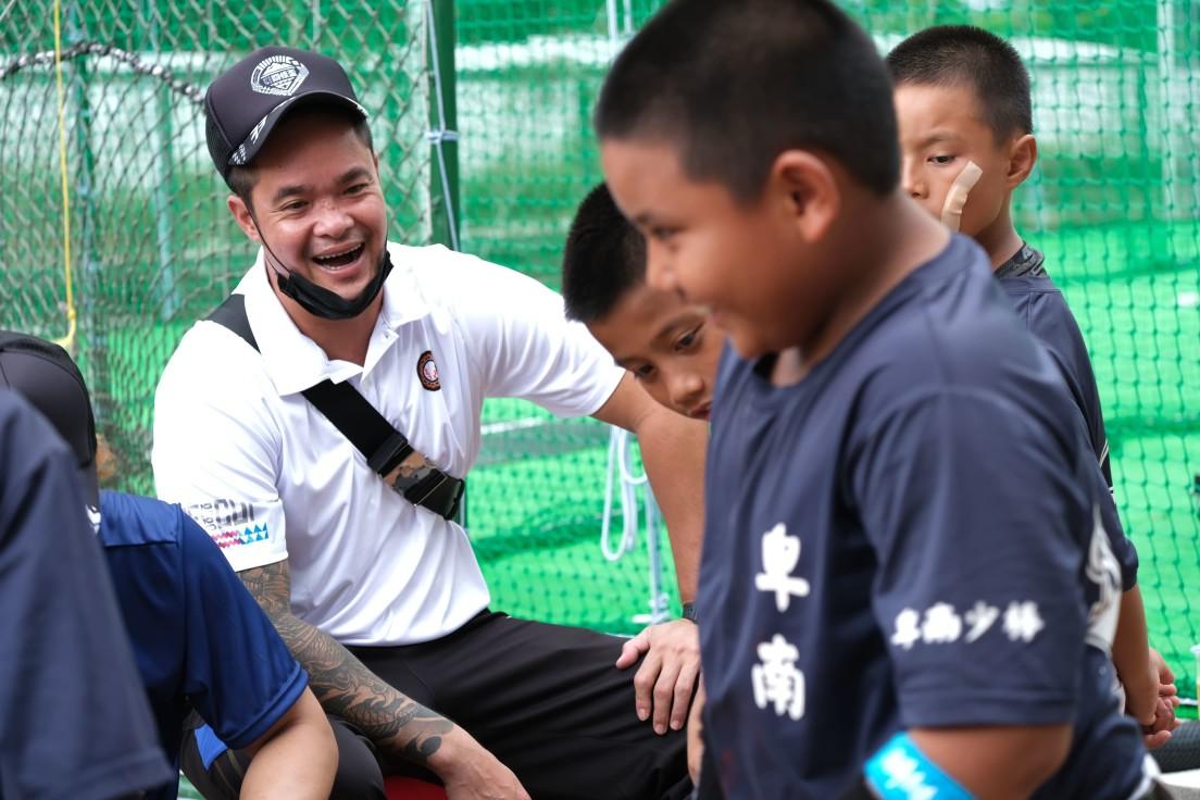 拓展棒球孩子的眼界與未來,持續關懷原鄉,協助偏鄉棒球的發展是原棒協最重要的目標