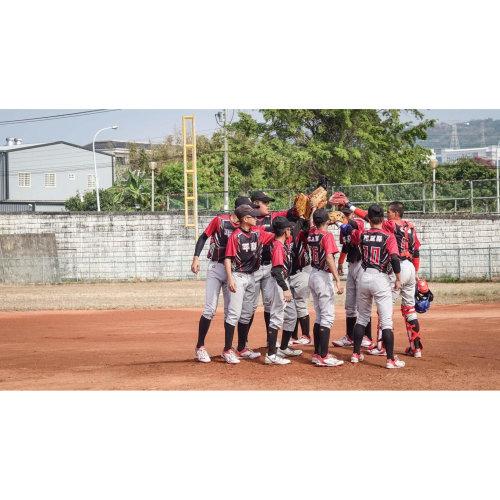 熱愛棒球的心:平和國中棒球隊