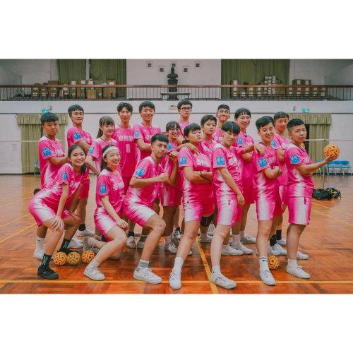東南亞最盛行的球類運動:「藤球」