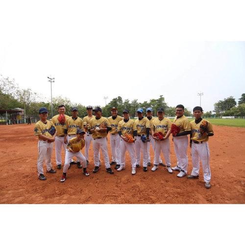 ELEPHANT壘球隊選用蜂巢布料製作客製化設計棒球服