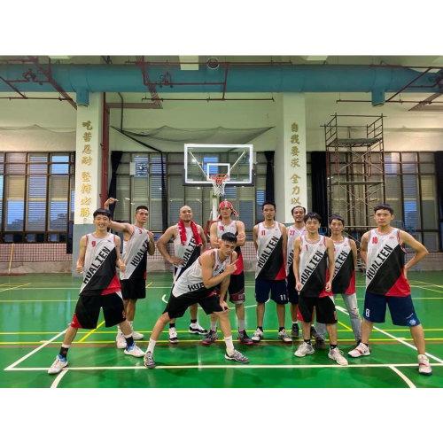 花蓮台鐵籃球隊穿上專屬設計球衣,勇奪109局長盃冠軍奬座